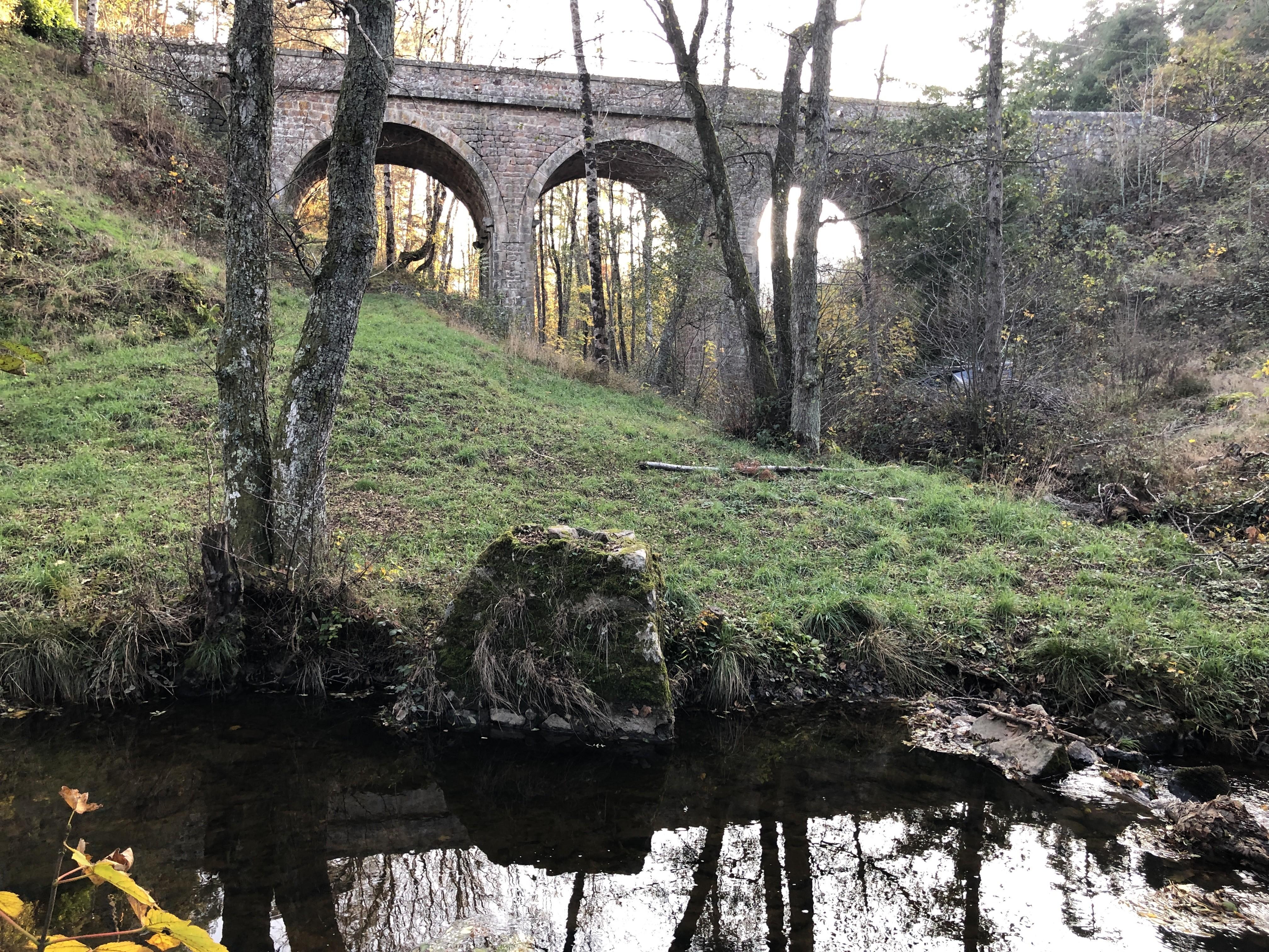 Le pont de Lumerly, à la sortie de Saint-Barthélemy