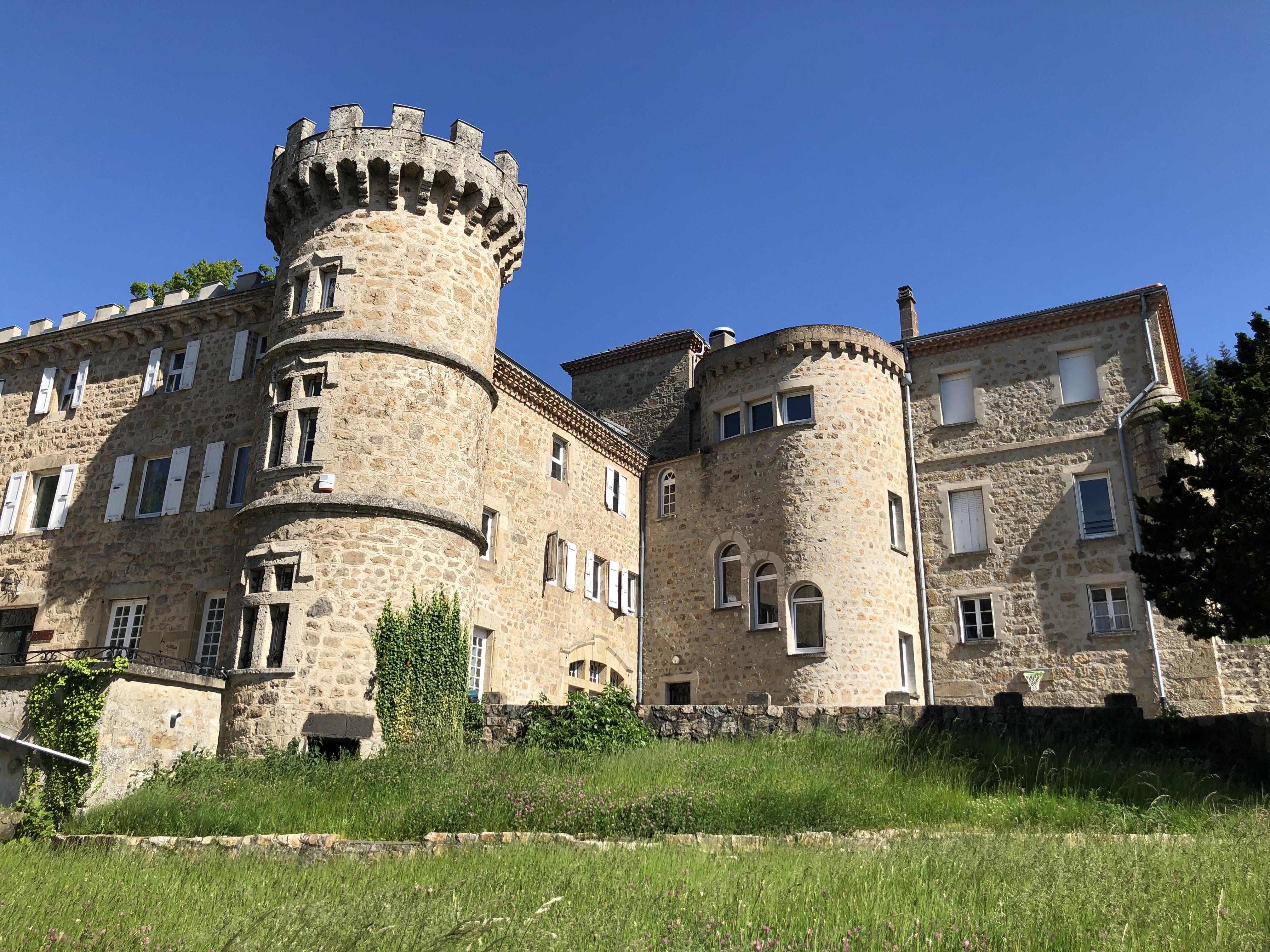 Le château de Soubeyrand, qui abrite l'IME