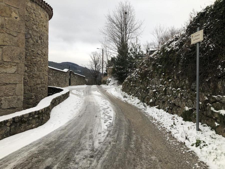 01 neige dans les rues de saint barthe lemy 06 jan 21