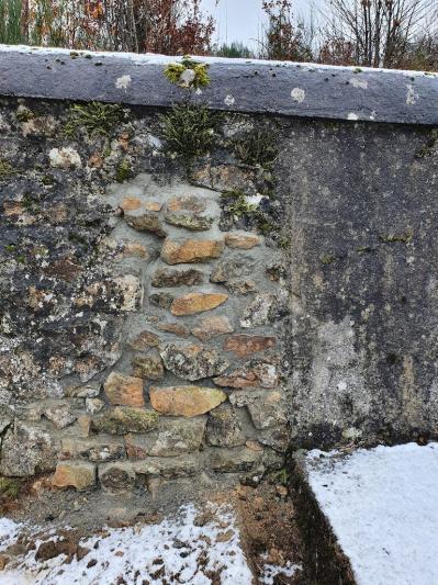 Mur du cimetie re de grozon