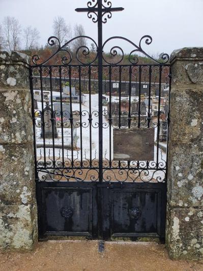 Porte du cimetie re de grozon