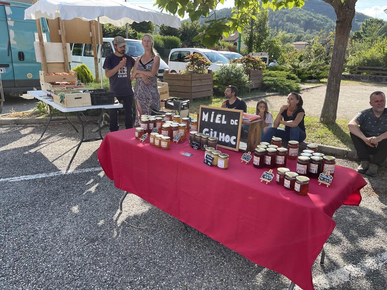 Les miels de Christophe Feuillet et les fruits de Rémi Villeneuve