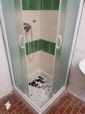 Vestiaire de l arbitre la douche