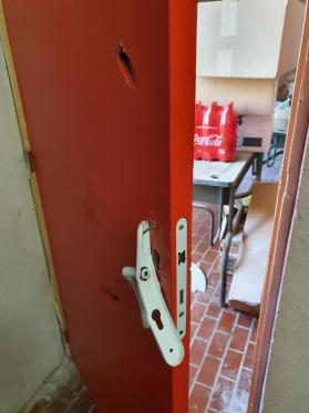 Vestiaire de l arbitre la porte
